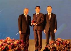 長榮航空 奪企業永續報告第一類白金獎
