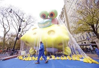 新气球亮相美感恩节大游行 警忧他恐不受控