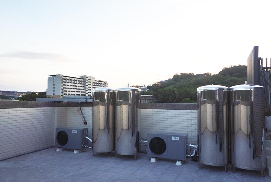 天晴能源安裝的空氣能熱水器。圖/天晴能源提供