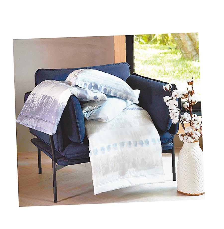 SOGO天母店Tonia Nicole萊賽爾印花雙人涼被+波西米亞枕套1對,原價9960元、特價2999元,限量20組。(SOGO提供)