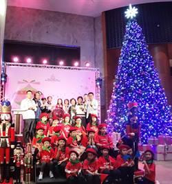 台南室內最高耶誕樹 香格里拉台南遠東國際大飯店妝點粉紅耶誕