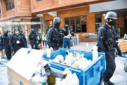 港警理大蒐證 起獲逾600汽油彈
