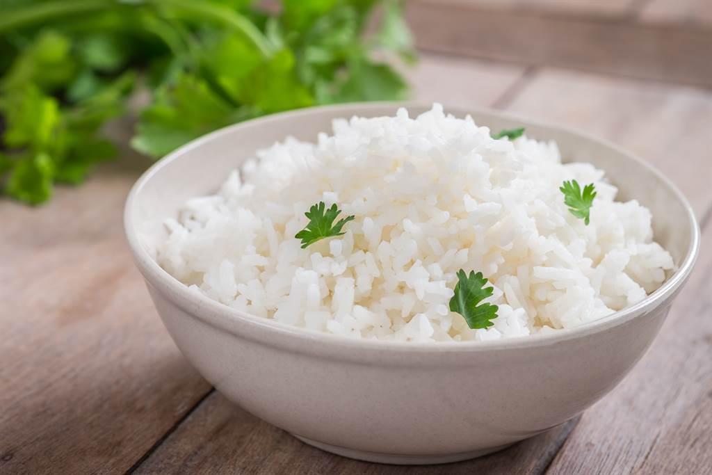許多網友認為,相較於麵線,白飯較容易有飽足感,會降低消費者加點慾(示意圖/達志影像)