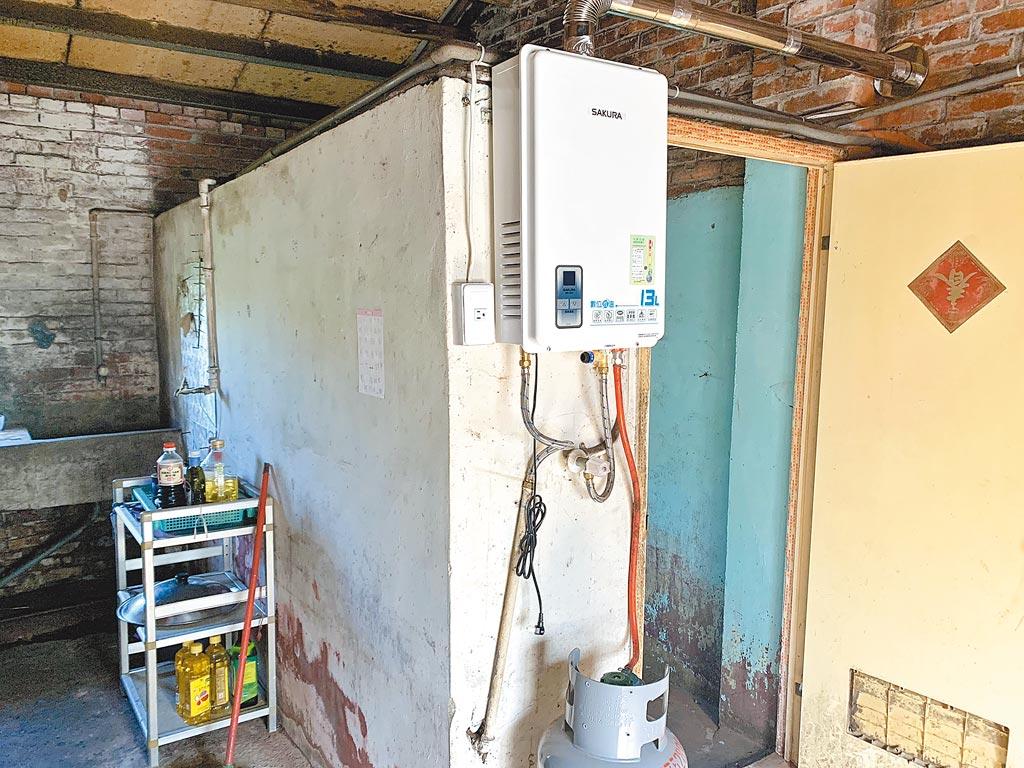 協會期盼捐贈的熱水器、洗衣機、冰箱等家電物資,能讓案家幸福過冬。 圖片提供道家人文協會