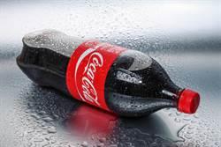 嫩妹把可樂當水喝 醫一檢查:慘了