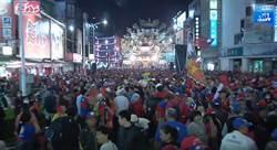 韓國瑜屏東空拍 民眾擠爆慈鳳宮等一個人