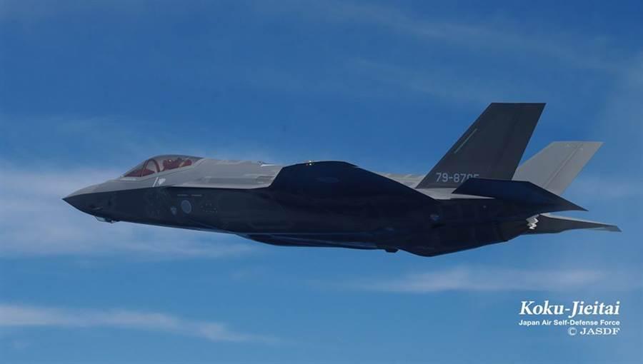 日本航空自衛隊的F-35這次被陸媒的假新聞黑了一把,當作大陸軍迷捧俄羅斯老大哥的犧牲品。(圖/日本航空自衛隊)