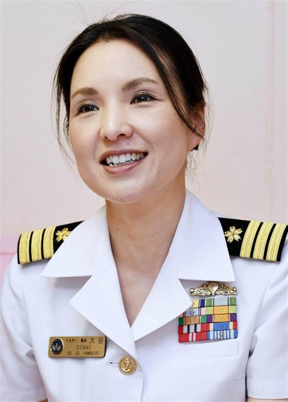 大谷三穗在接任神盾艦長之前,曾日本海上自衛隊朝霧級驅逐艦山霧號艦長。(圖/微博)