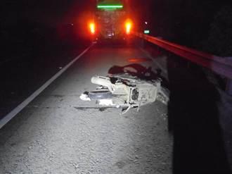 男騎重機國道逆向迴轉  遭3車碾過屍塊四散