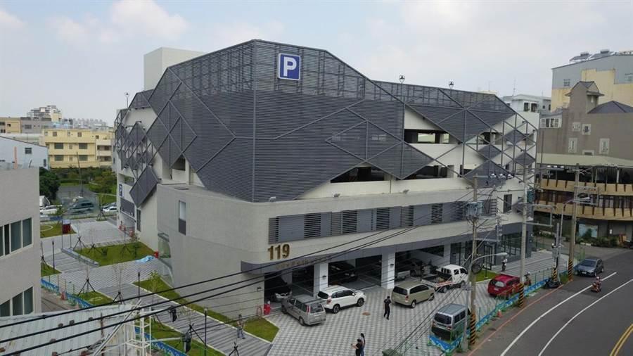 豐南消防分隊廳舍落成暨育英立體停成場啟用典禮2日舉行。(陳淑娥攝)