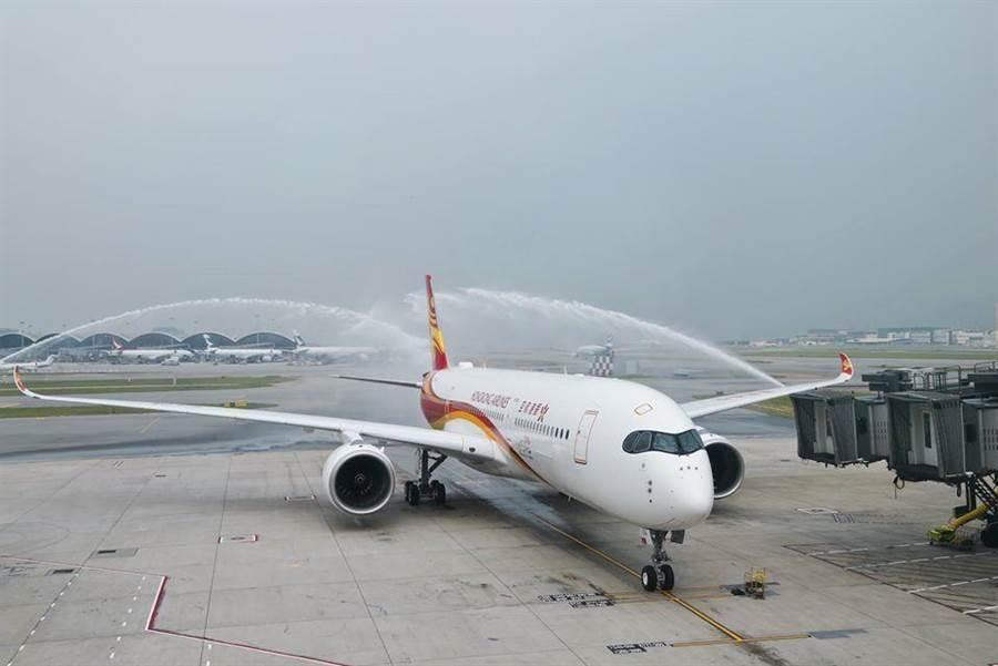 香港航空雖是以香港為基地,但實屬於大陸海航集團旗下公司 。圖/取自香港航空臉書