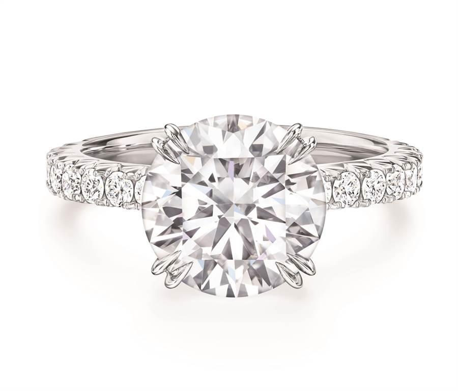 海瑞溫斯頓新款Attraction鑽石戒指。(HARRY WINSTON提供)