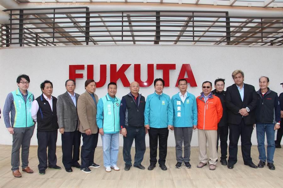 賴清德2日參訪銅鑼科學區富田電機公司。(何冠嫻攝)