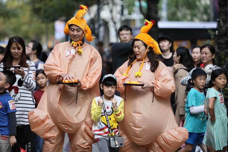 「火雞感恩競速活動」,引來數百人圍觀(凱格蘭公關提供)