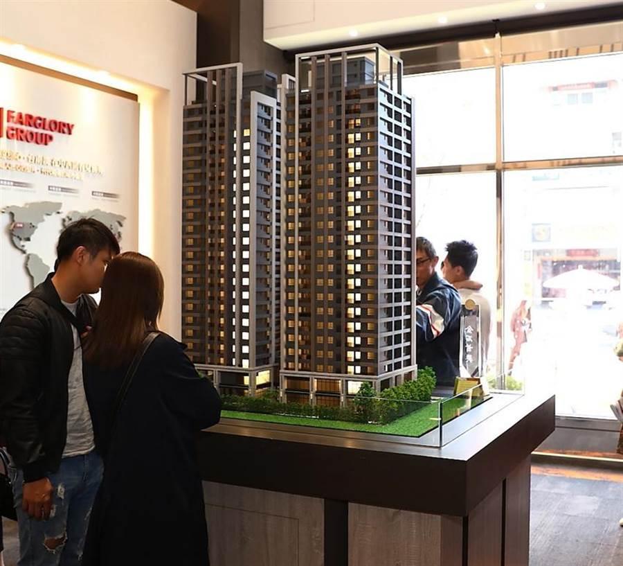 (遠雄建設轉進台南中西區,推出「遠雄頂美」大樓住宅,鎖定總價800到1,200萬元的首購和換屋族群。圖/顏瑞田)