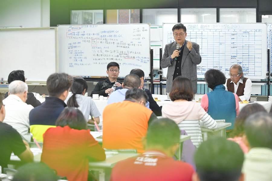 前行政院副院長杜紫軍,親自出席彰化縣產業界座談提出許多建言。