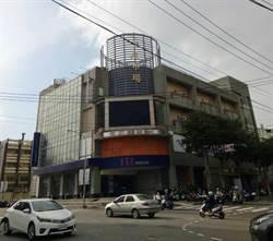 平鎮第一市場形同半個蚊子館 黃敬平要求顧攤商權益