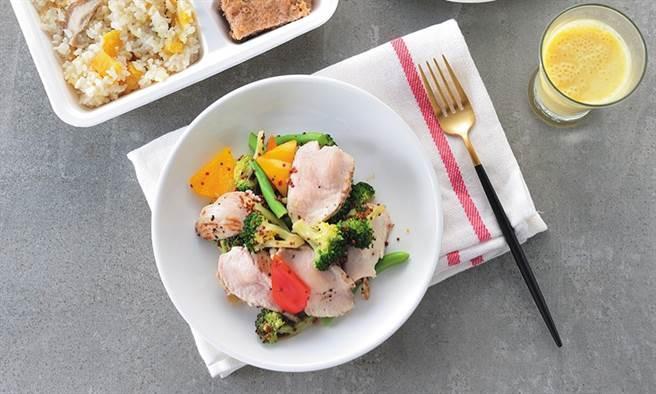 嫩雞胸沙拉。(圖片來源:陳德信)