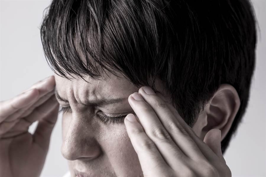 一般來說,如果是位於腦幹組織的中風,影響了心跳、呼吸等生命現象時,最容易導致死亡。(達志影像/shutterstock)