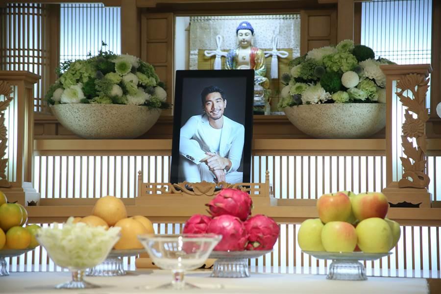 高以翔遺體昨運回台灣,靈堂設在金寶軒會館。(吳松翰攝)