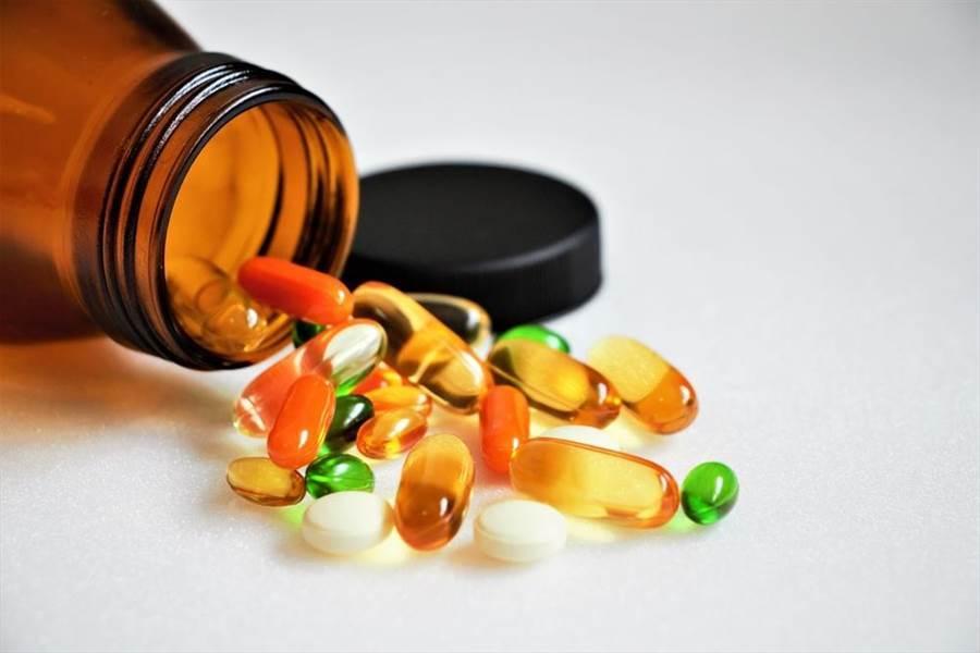 正常人不需要吃維他命,營養博士揭:吃多恐洗腎!(示意圖/達志影像)