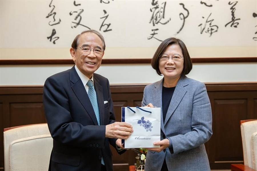 總統蔡英文接見日本台灣交流協會會長大橋光夫。(圖/總統府提供)