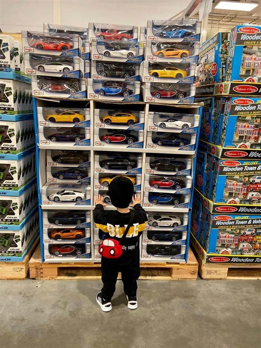 原PO形容家裡小朋友總是逛到玩具區就失心瘋了,網友對此深感認同,(摘自Costco好市多 商品經驗老實說)
