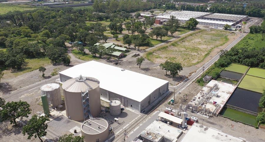 台糖東海豐循環園區明年1月正式啟用,已完備脫硫塔、堆肥場、沼氣燃燒設備等試運轉中。圖/台糖提供