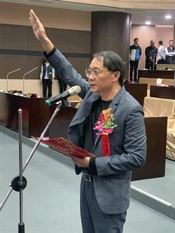 游宏達遞補議員宣誓就職 為民服務不忘初衷