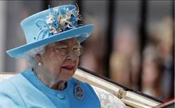 英女皇飯桌不準有方型冰塊 原因超古怪