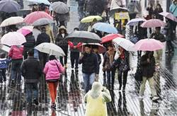 明全台有雨2區防豪雨 更猛冷氣團襲台周末急凍