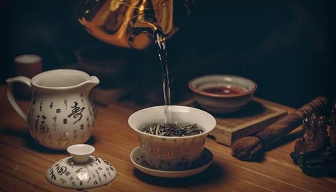 全發酵茶耐貯放,但紅玉紅茶要半年內喝完。(圖片來源:pixabay)