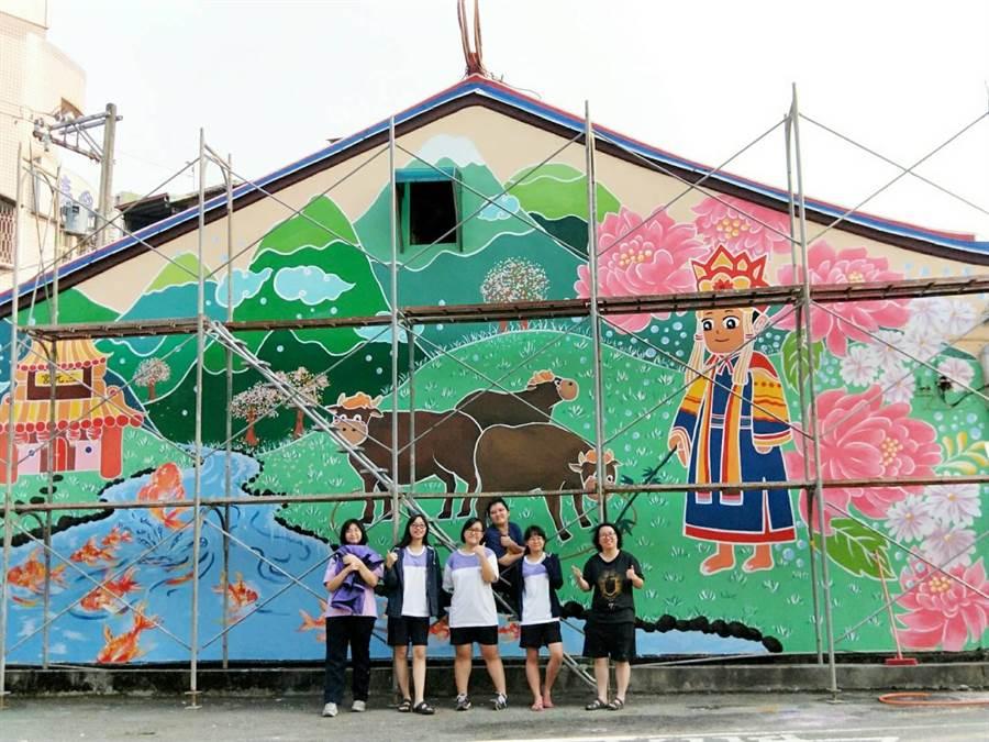 竹山高中美術班學生,彩繪公共空間,美化環境。(竹山高中提供/廖志晃南投傳真)