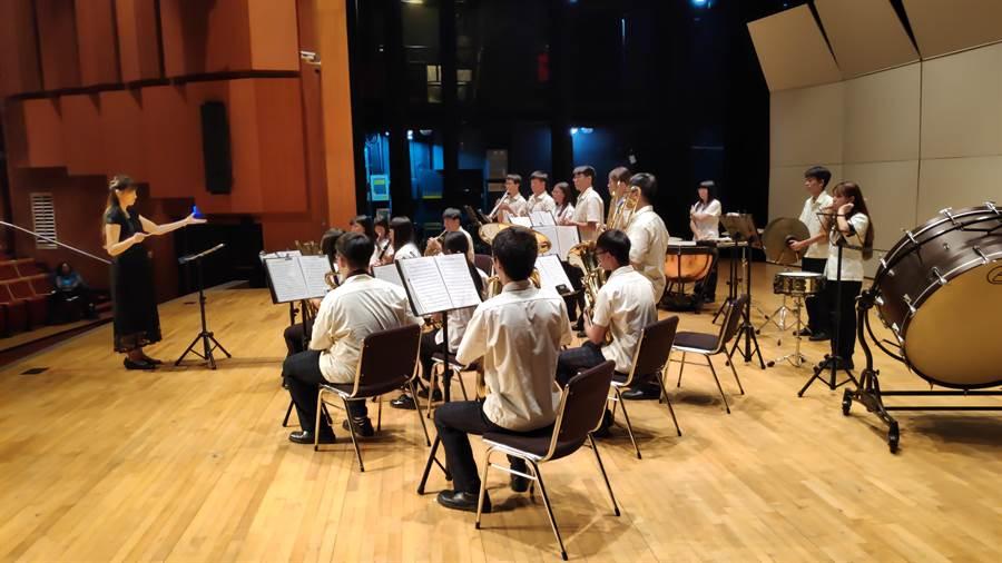 草屯商工管樂社參加全國音樂比賽南投縣初賽,在管樂合奏及銅管五重奏等二項團體組比賽中雙雙獲得優等。(草屯商工提供/張晉銘南投傳真)