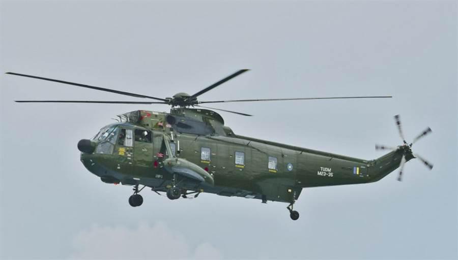 馬來西亞的反潛/巡邏直竹機S-61已經老舊不堪,但國防預算不夠,打算用租借二手通用直升機的方式代替。(圖/Marhalim Abas)