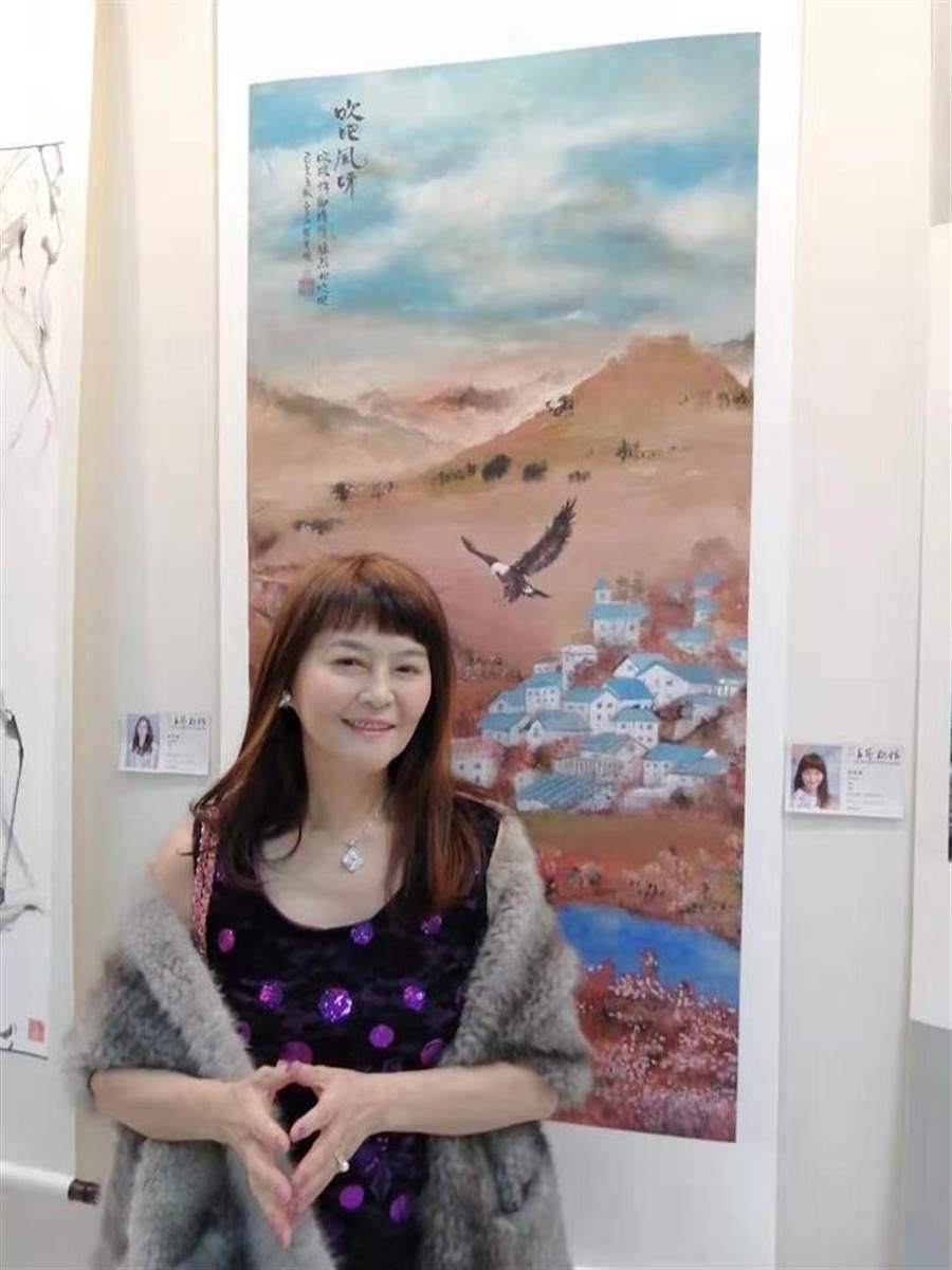 程秀瑛這幅畫作有「老鷹在飛、女孩的頭髮、裙子被風吹起」是她的想像 ,她配上莎士比亞劇作《李爾王》裡的經典台詞,十分貼切。(洪秀瑛攝)
