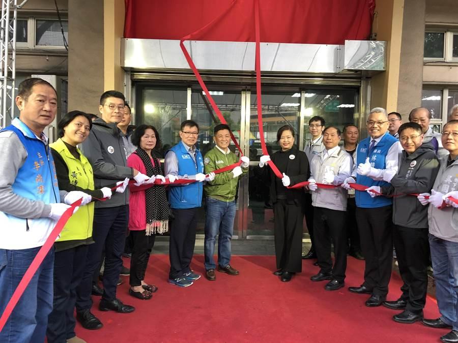 新竹市「埔前里民活動中心」5日正式揭牌啟用。(陳育賢攝)