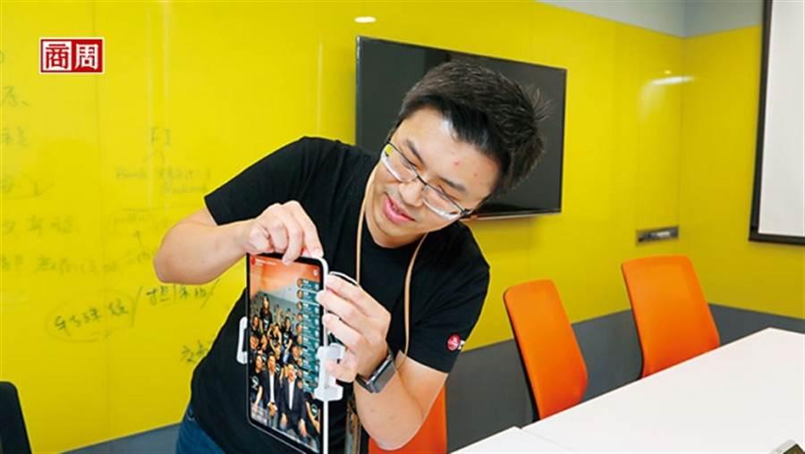 中信團隊研發刷臉技術,搶先在金融科技展用刷臉支付、取餐、領錢讓大家體驗。(攝影者.楊文財/商周提供)