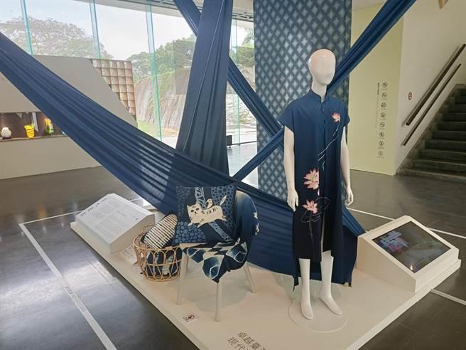 卓也藍染以一條龍生產線和半自動化染工坊的模式經營,並透過第二代和與設計師異業合作,提升品牌的國際高度。(張晉銘攝)