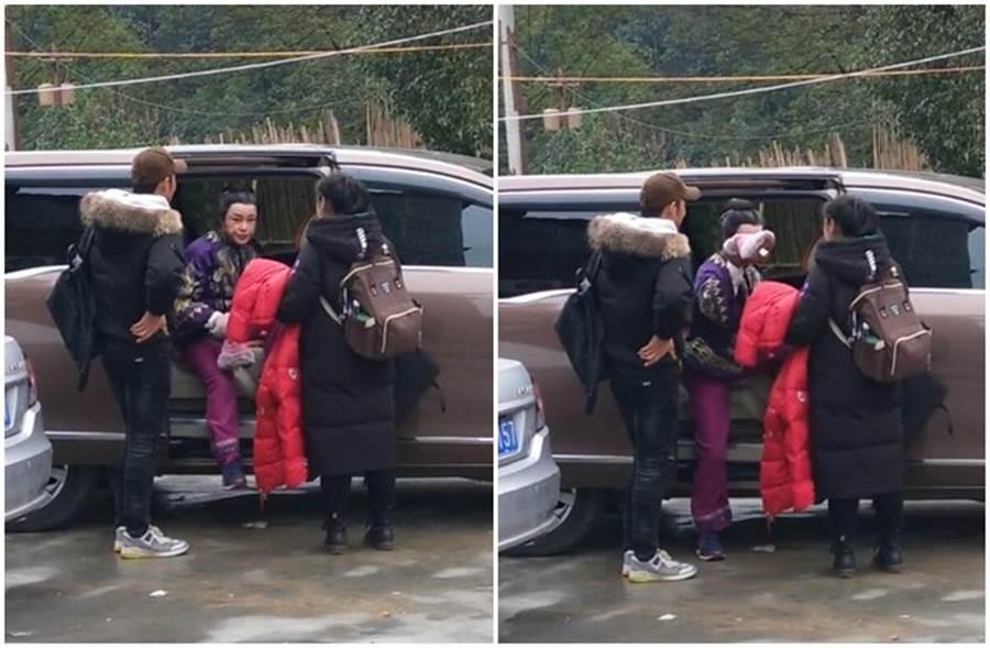 刘晓庆被偷拍来不及遮,未修图真面目曝光。(取自微博)