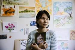 美伊換囚 華裔學者獲釋 妻子:家完整了