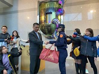 陳宜民控女警未表明身分 徐國勇:證據會說話