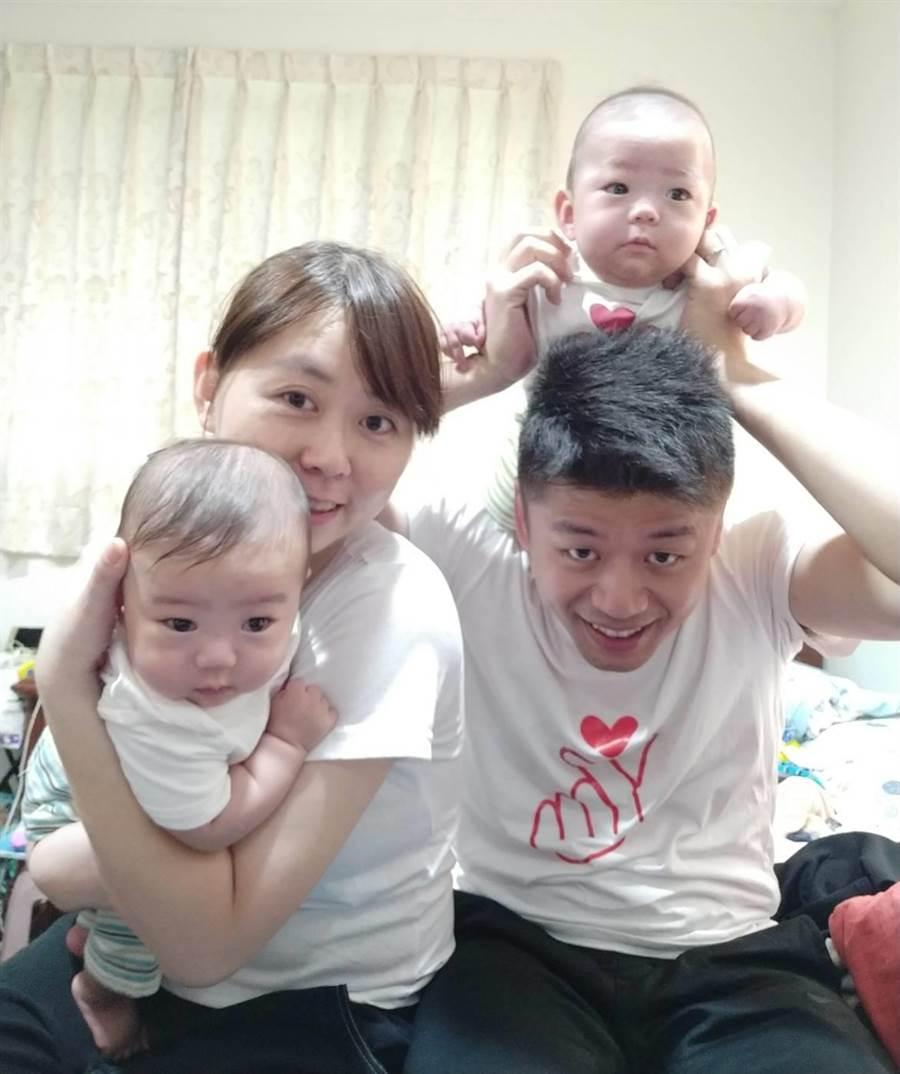 雙胞胎早產兒「楠楠與椂椂」也回娘家。(林口長庚醫院提供/甘嘉雯桃園傳真)