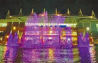 屏東車站水舞燈光迎耶誕