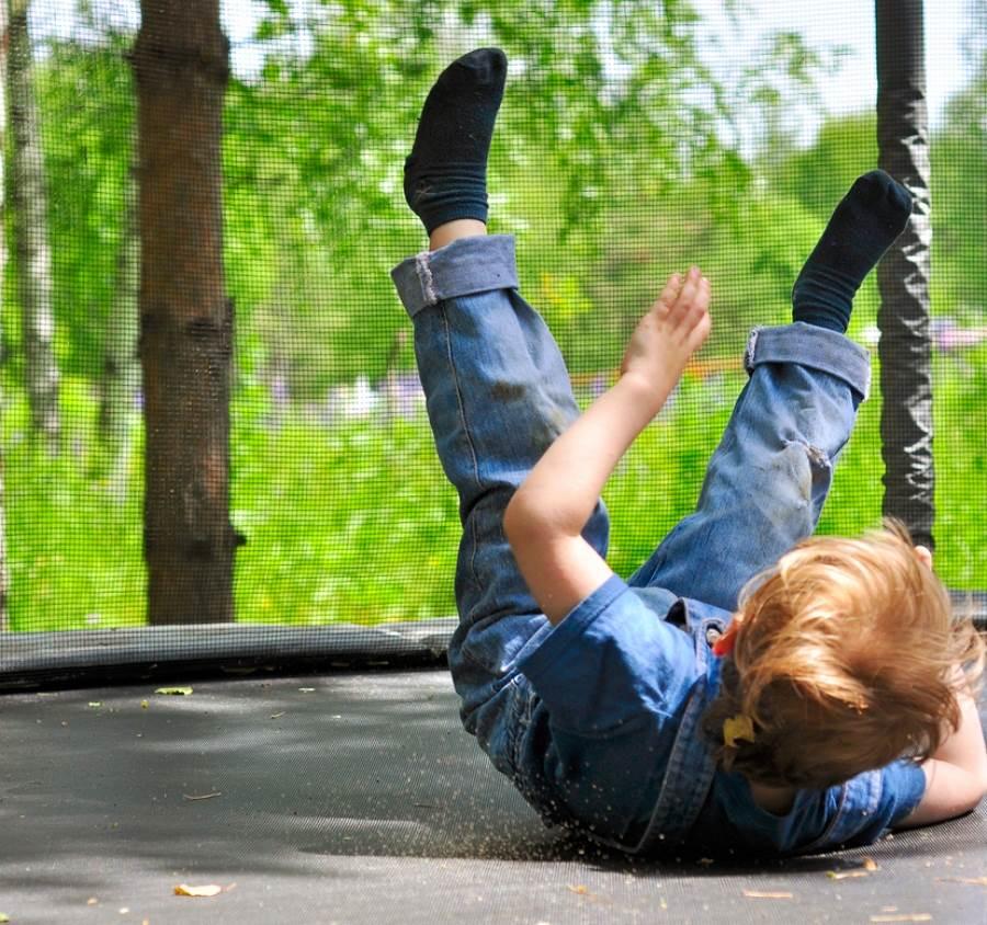 怪男從10樓扔6歲童 自曝離譜動機(示意圖/ 取自達志影像)