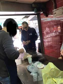 他驚見「國軍大咖」買水煎包 網笑100分…