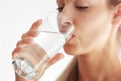 一天3時段喝水 最能改善血液黏稠