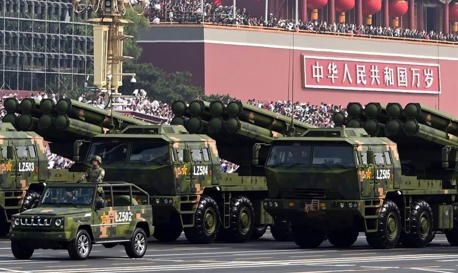 PCL191多管火箭炮據稱萬一兩岸爆發衝突時,可打擊台灣戰略目標。(中新社)