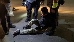 毒蟲遇檢逃逸摔倒 反控警執法過當