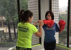 台灣女生就瘋這個!麥玉潔手綁帶帥氣體驗「泰拳」